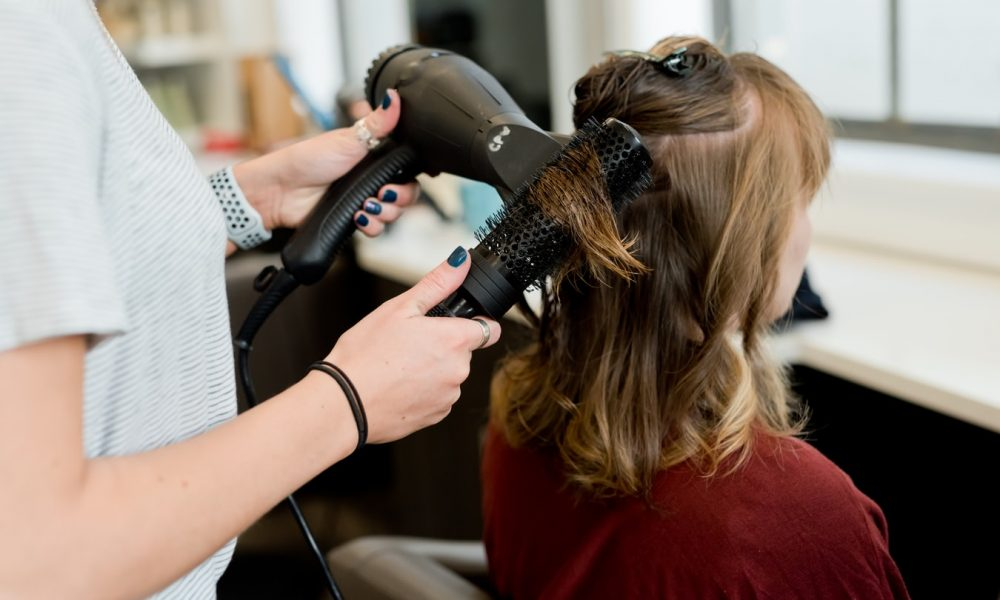 How to Prepare Your Home Salon After Graduating From Cosmetology School