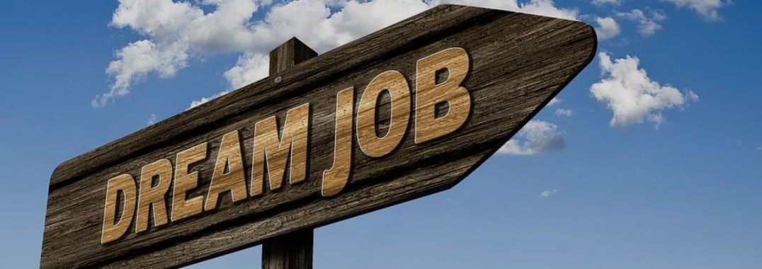 4 High-Paying Jobs to Carry You Through The Summer